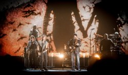 CMA Awards - Zac Brown Performing with Keith Urban - Photo by Southern Reel